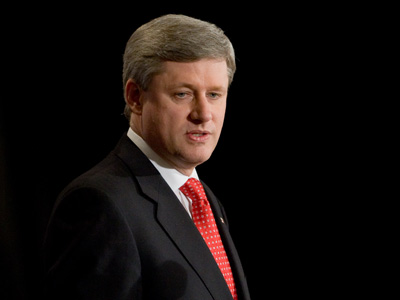 Harpert aggasztja a gazdasági válság