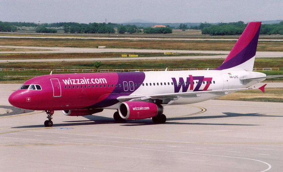 A Wizz Air utasai étlen-szomjan várakoztak Svédországban