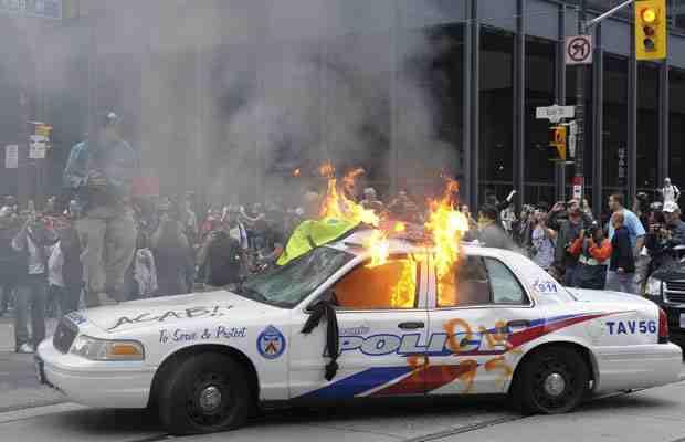 Az ellenzék kivizsgálná a torontói rendőri túlkapásokat