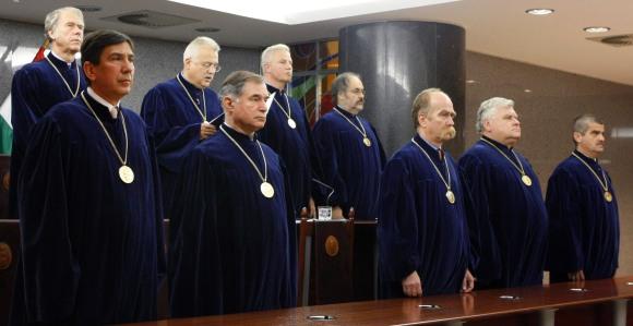 Vihart kavart a Fidesz Alkotmánybíróság korlátozásáról szóló terve