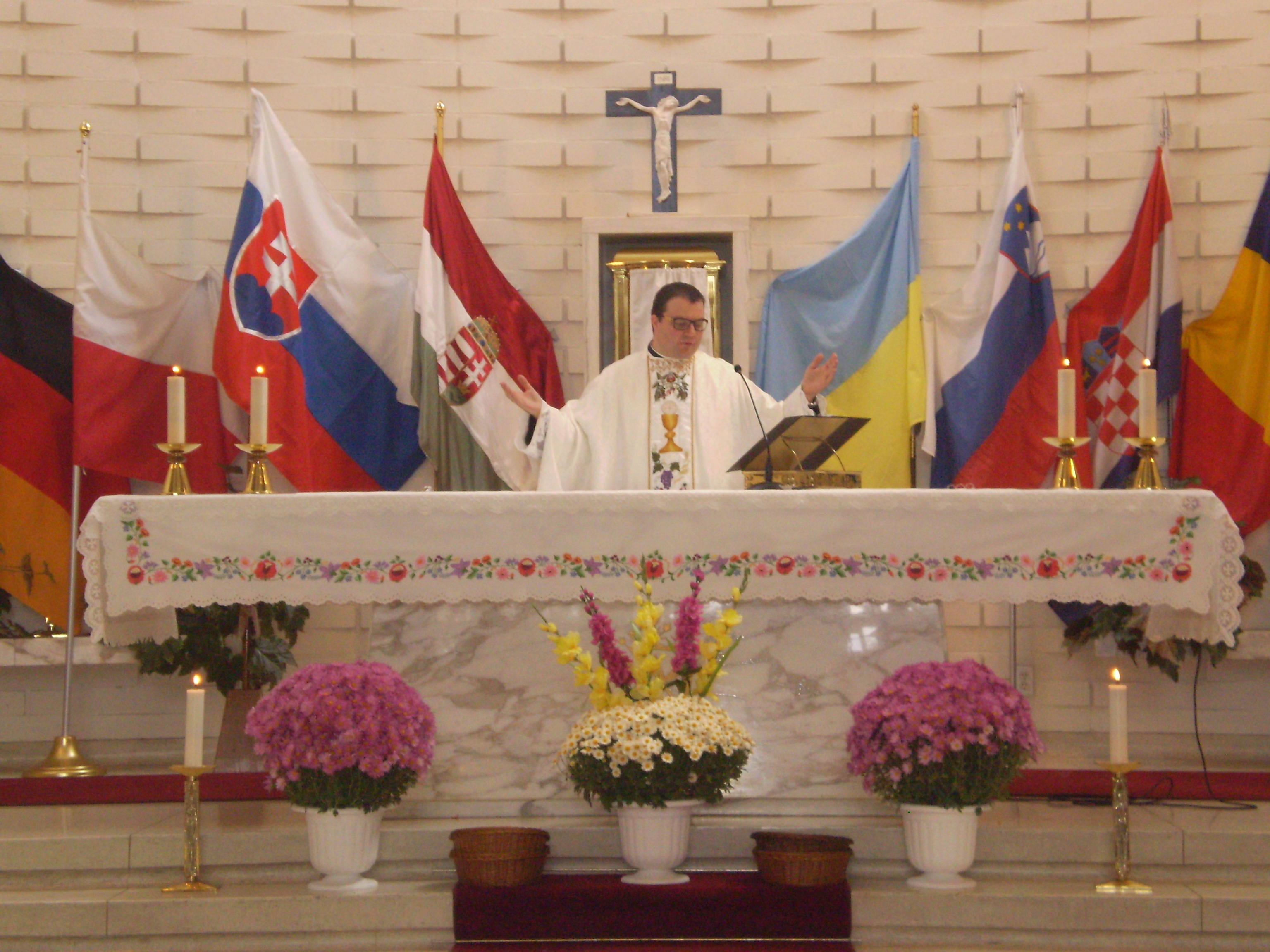 Montreal Hungarian parish holds Central European festival