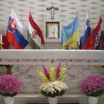 The decorated altar at Our Lady of Hungary in Montreal (Photo: Cadam)