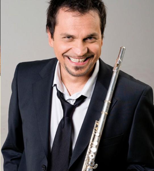 Művészportré Szolnoki Péter zenész-énekessel