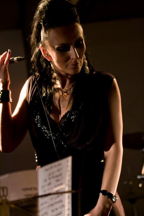 "KMH kritika Alba Hyseni ""Inner Mission"" c. lemezéről"