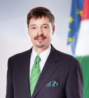 Kerék-Bárczy Szabolcs: Kitörés a sarokból