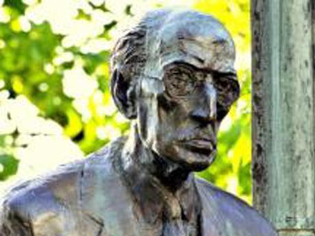 A Károlyi-szobor, Schiffer András felmenői, dossziéügy és a fideszes kulturkampf