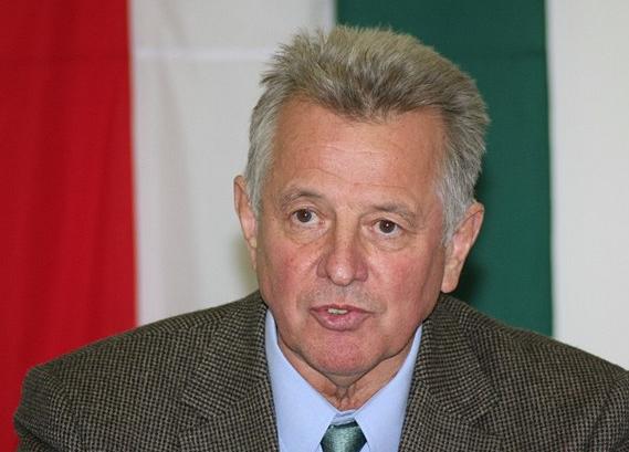 A Fidesz könnyítené az államfő lemondását