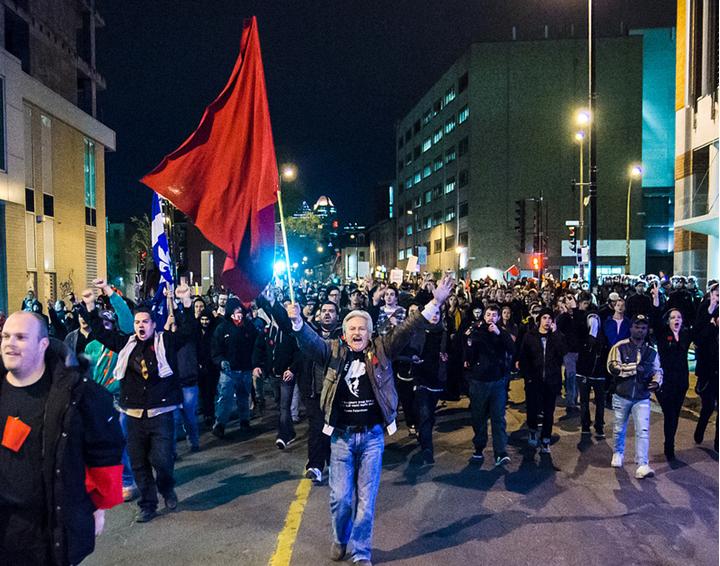 """A gyülekezési jog korlátozásával próbálja a québeci kormány letörni a """"lázadást"""""""