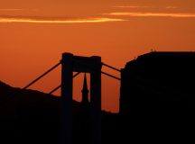 Orange background - Sunset over Budapest  / kismihok (flickr)