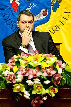 Lázár János, Hódmezővásárhely polgármestere és dohányoligarcha