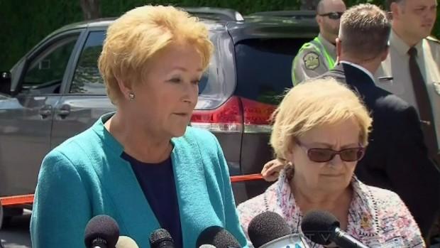 Pauline Marois kormányfő és Colette Roy-Laroche polgármester