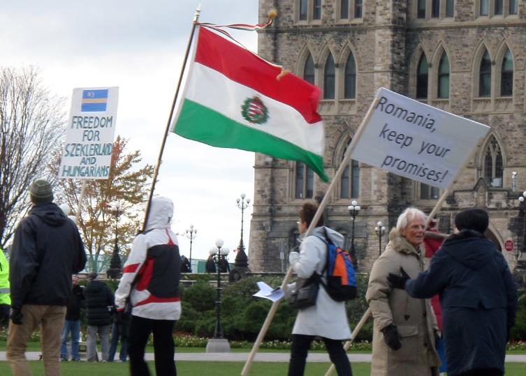 Freedom for Szeklerland - tüntetők a kanadai parlament előtt.