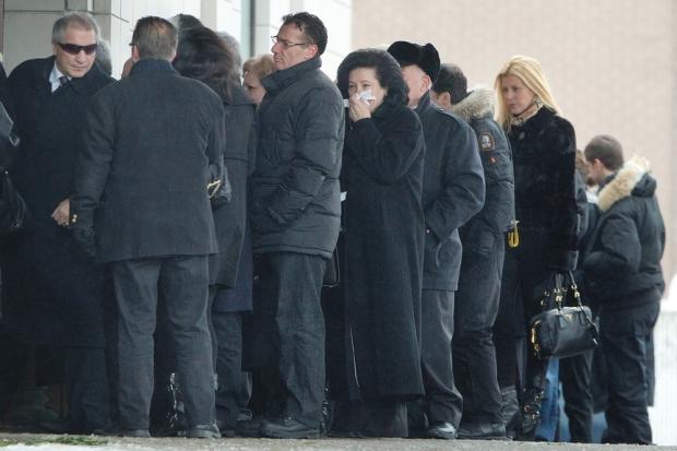 Rizzuto gyászolói a Loretto ravatalozó előtt. Fotó: The Montreal Gazette