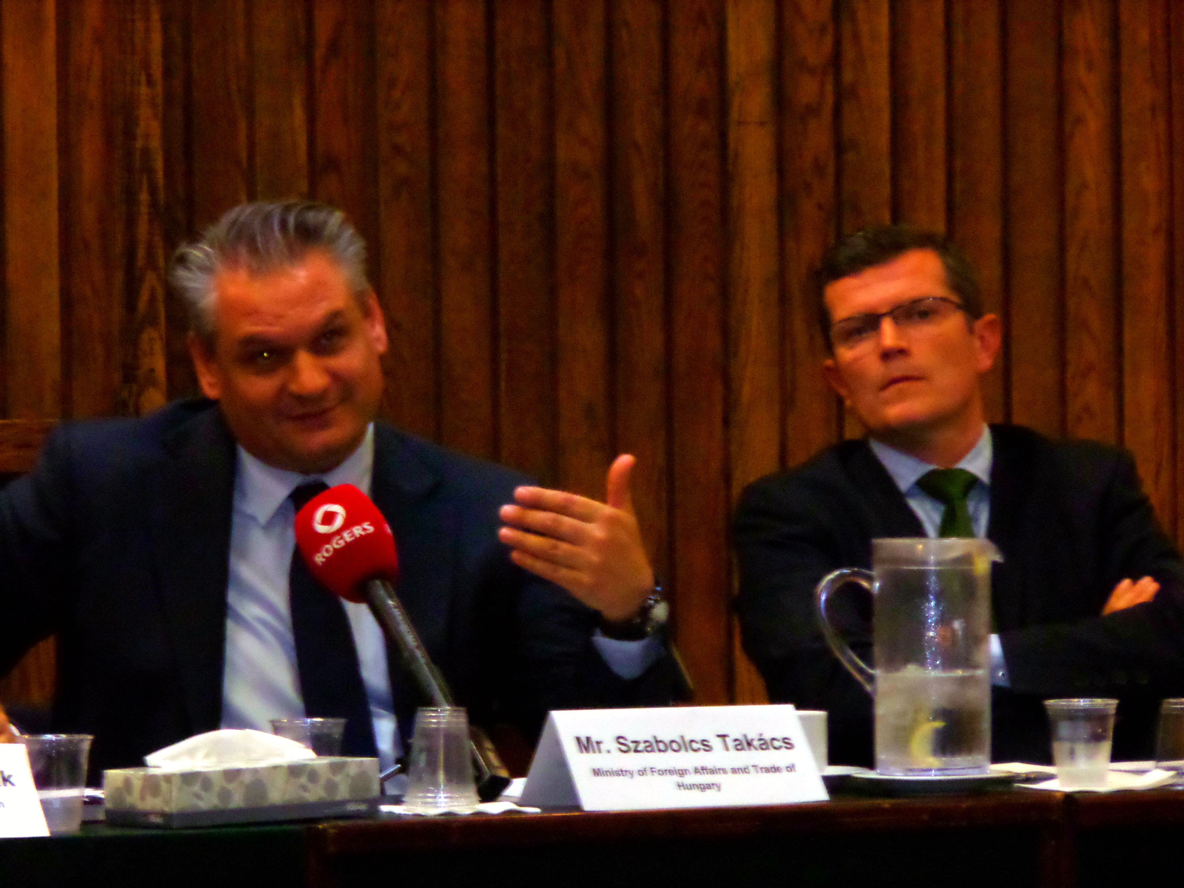 Takács Szabolcs az Orbán kormány stabilitását méltatta Ottawában. Fotó: C.A.