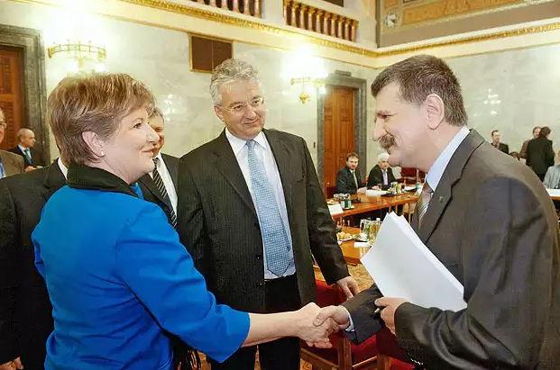 Szili Katalin a Fidesz-KDNP körül.