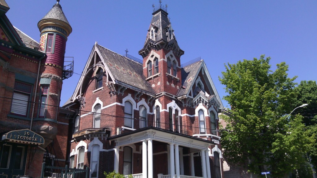 Cifra viktoriánus házak Brockvilleben. Fotó: Christopher Adam
