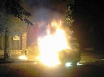 Brutális rendőrhorda támadt a békés magyar emberekre!