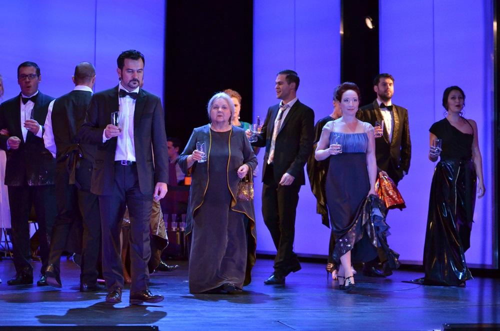 Színházi fotók 41. — KÖD UTÁNAM az Örkény Színházban