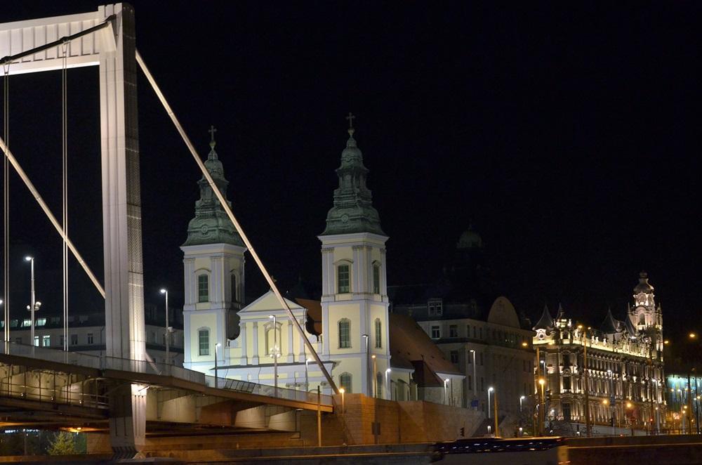 Pest megér egy estet — egy este a Dunán…2.