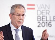 A 72 éves Alexander Van der Bellen lett Ausztria új államfője. Utolsó percben legyőzte a szélsőjobbot.