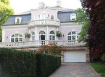A rózsadombi villa