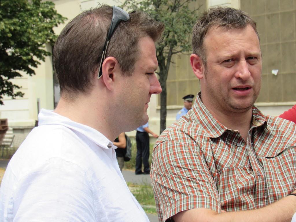 Szücs Balázs (bal), VII. kerületi önkormányzati képviselő. Fotó: C. Adam