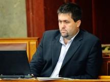 Álomállás a magyar parlamentben: Bíró Márk 68 millió forintért hallgat