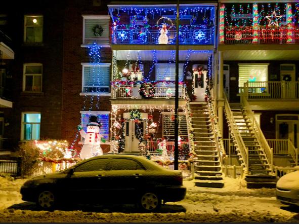 Karácsonyi fények és ünnepek Kanadától Magyarországig