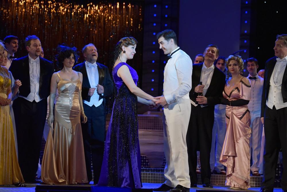 A víg özvegy az Operett Színházban 482