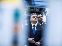 Orbánnak viszket a tenyere