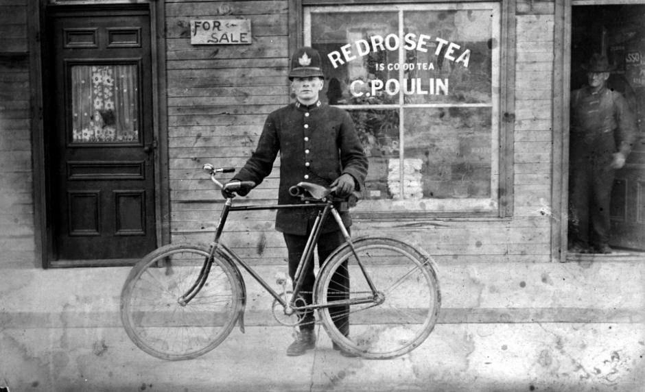 1896-ottawa-police-officer-324-rochester-st-ottawa