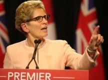 Torontói hidegzuhany — Kemény különadót és lakbér kontrollt szabnak ki Ontarióban