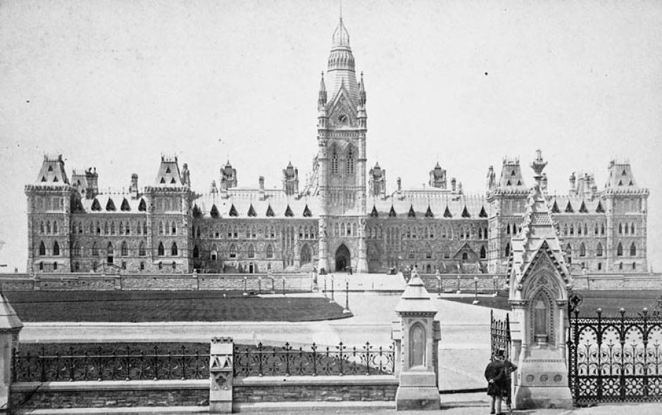 parliament-buildings-ottawa-1884
