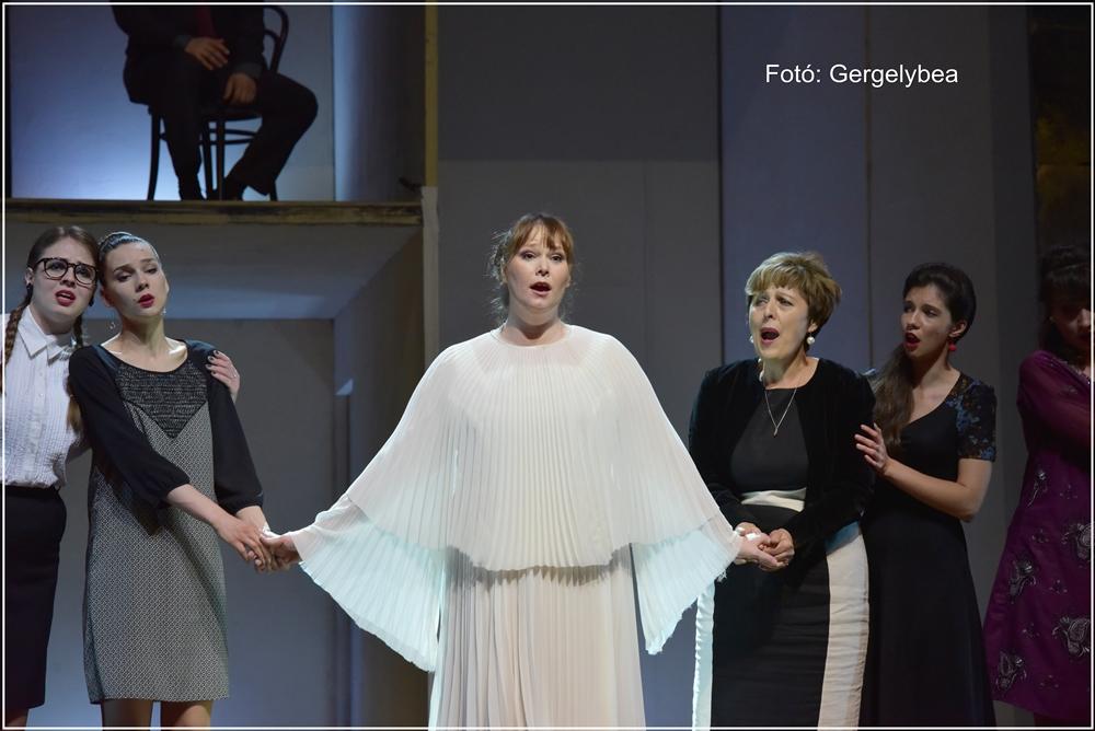 A puritánok opera a MÜPÁBAN 122