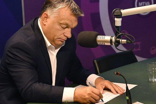 Amikor Orbán ismét felköpött…