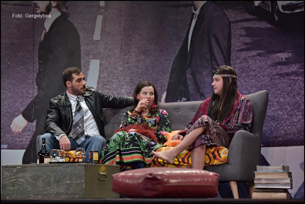 Love, love, love  a  Belvárosi Színházban