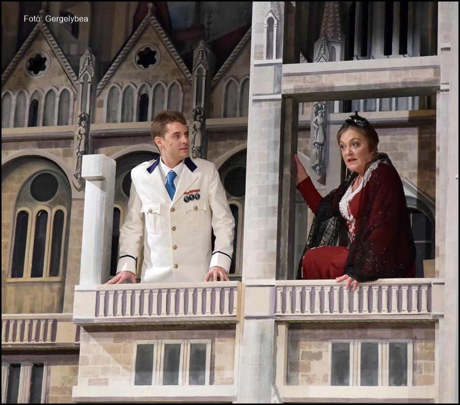 XIV. René a Karinthy Színházban