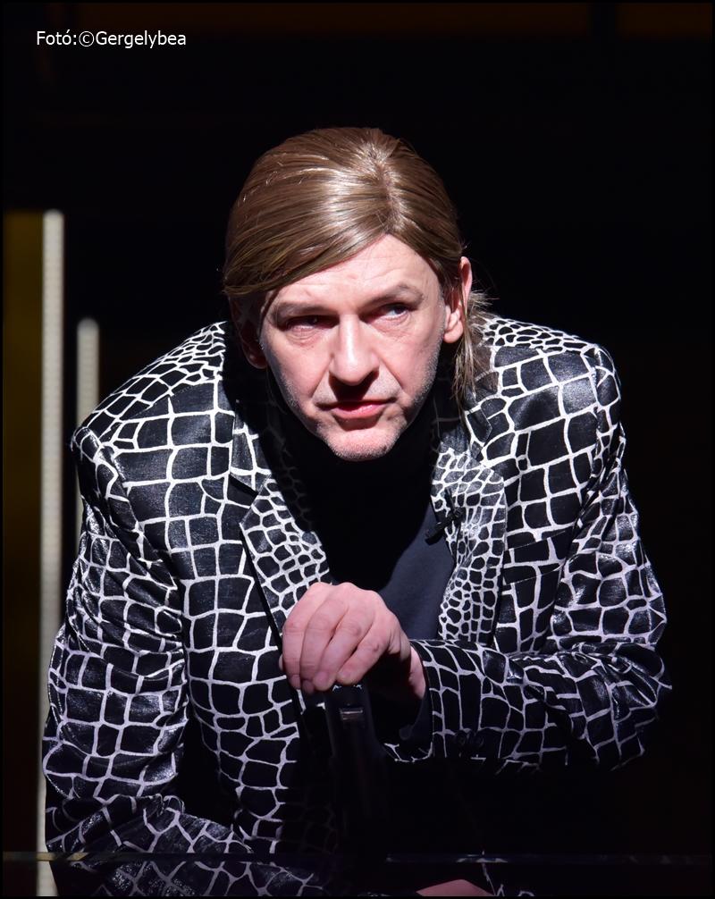 Shakespeare  III. Richárd  – A Radnóti színházban