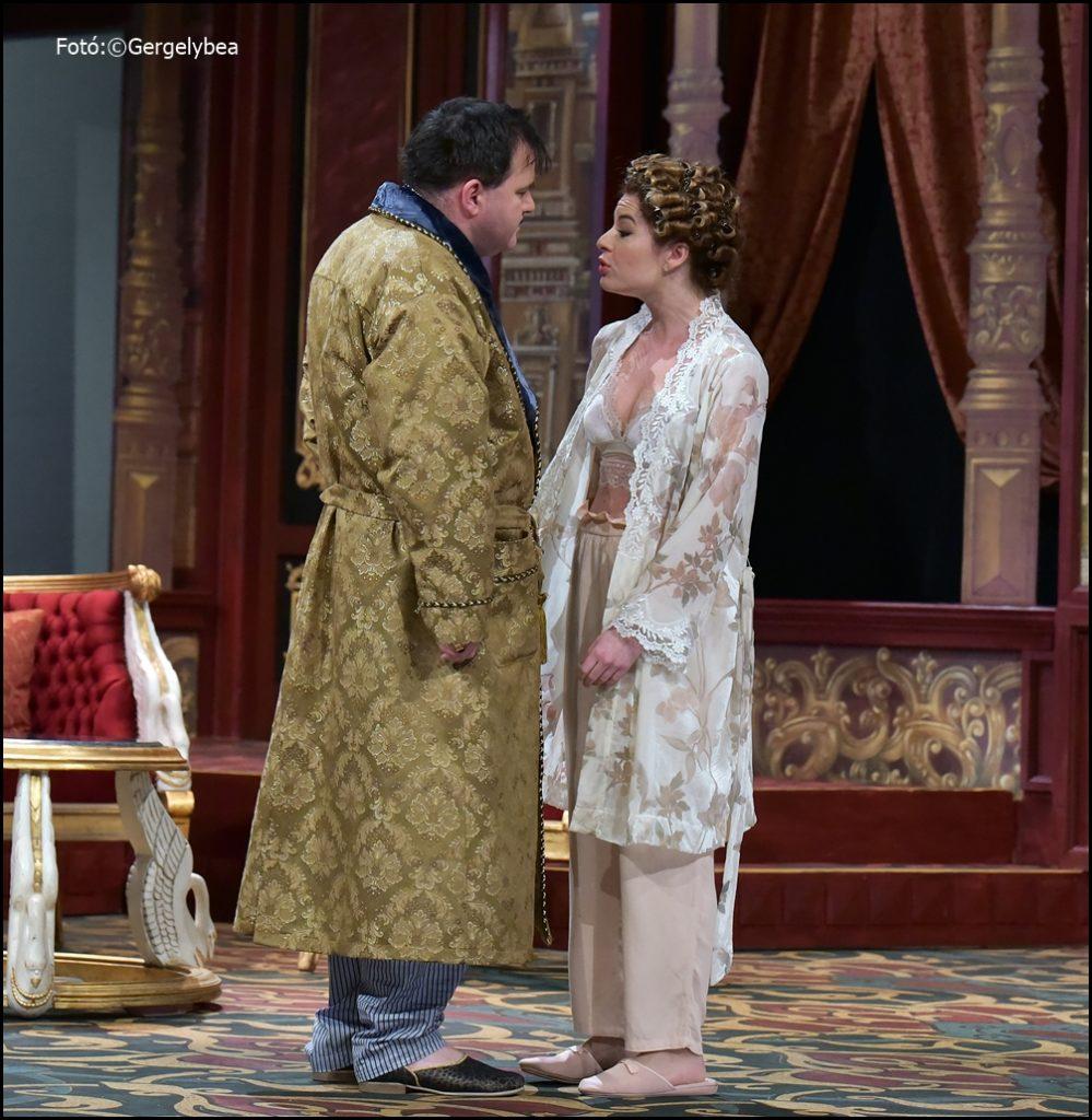 Színpadon a legendás Oscar —  a Thália Színházban