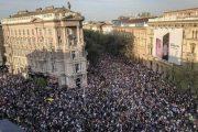 Ez a tömeg nagyobb és erősebb Orbánnál — Mi vagyunk a többség!