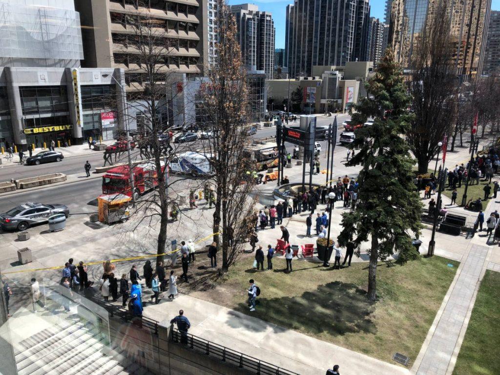 Merénylet Torontóban — Legalább tízen meghaltak