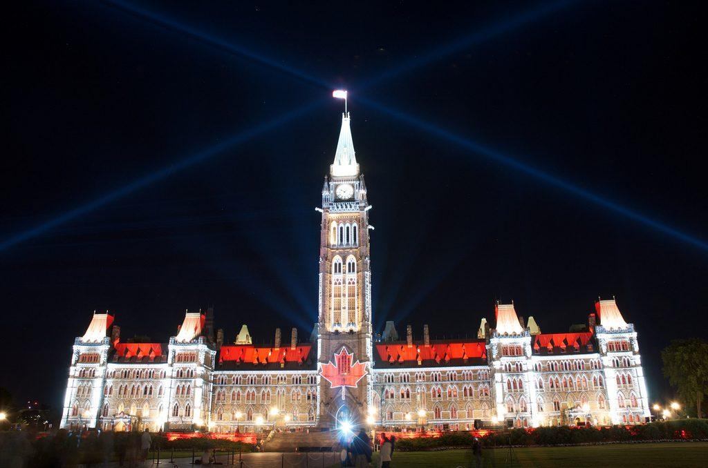 Kanada parlamentje egyhangúlag elítélte az amerikai gyalázkodást
