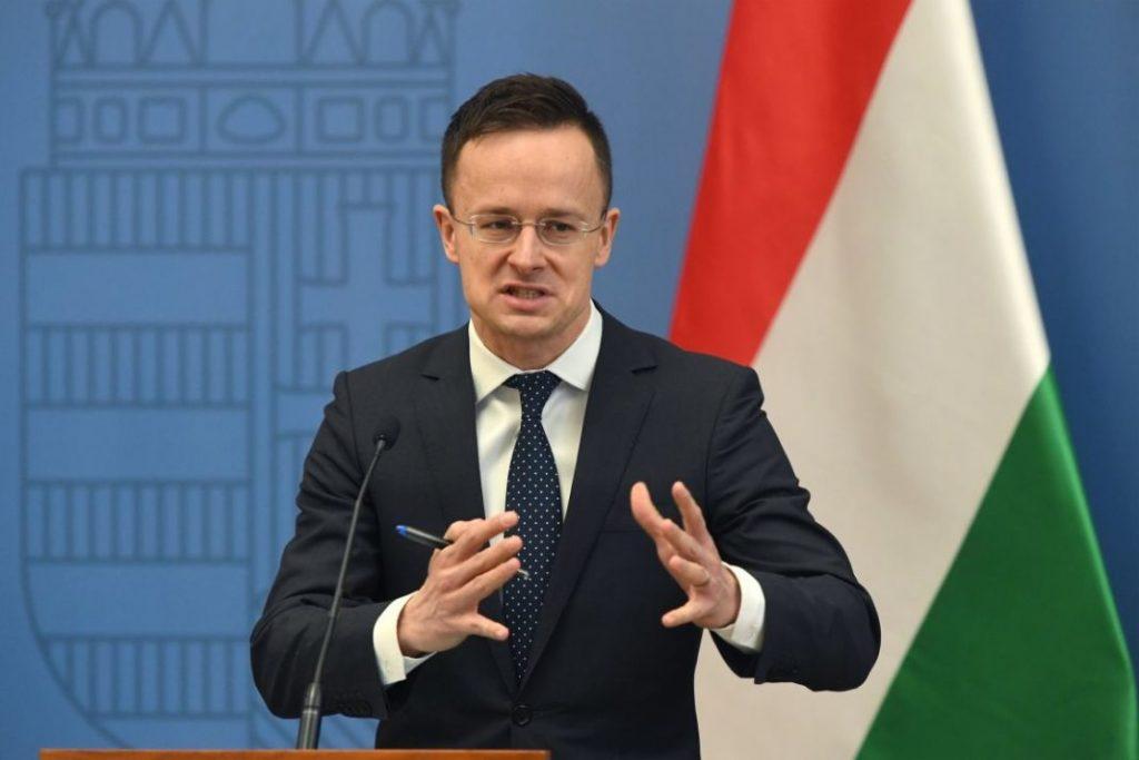 Szijjártó Péter, Orbán harci kakasa