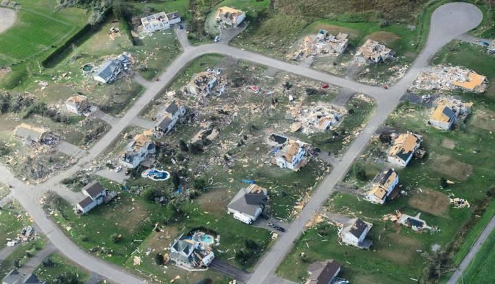 70 ezer otthon van áram nélkül — Tippek ottawaiaknak…