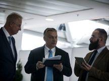Tisztelettel: Orbán Viktor