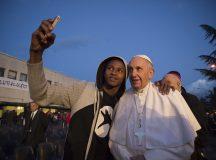 Merjük vállalni a népek és vallások közötti párbeszéd kockázatát