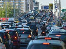 A villogó sofőrök és a rosszkedvű eladók országa