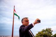 """""""Egyetlen magyar sincs egyedül"""" — A kezünk ott van a zsebében"""