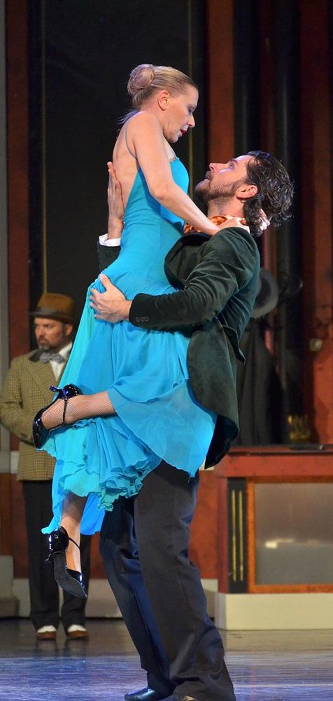 Össztánc a Vígszínházban 125