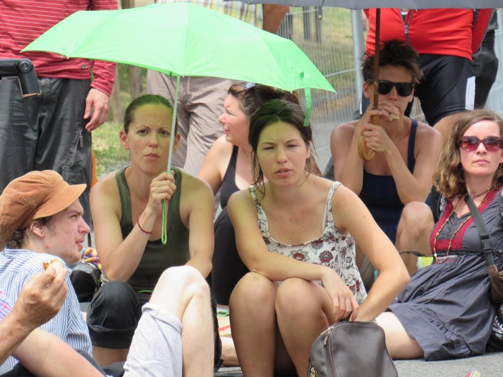 Tüntetők a Városligetben. Fotó: C. Adam